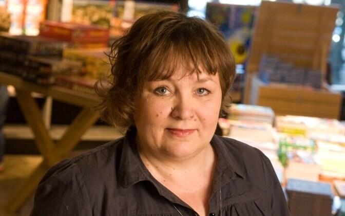 Imbi Paju on kirjanik, filmitegija, Võtikvere raamatuküla looja ja meditatiivkirjutamise õpetaja.