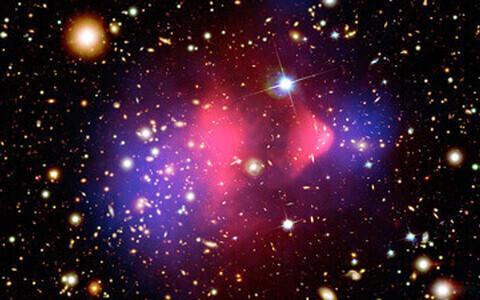 Tumeaine vormib täheparvede arengut.