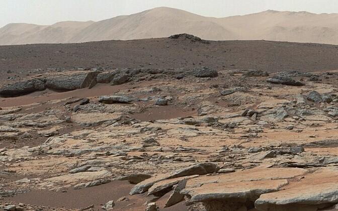 Curiosity edastatud fotode põhjal koostatud pilt Gale\'i kraatrist NASA/AFP/Scanpix