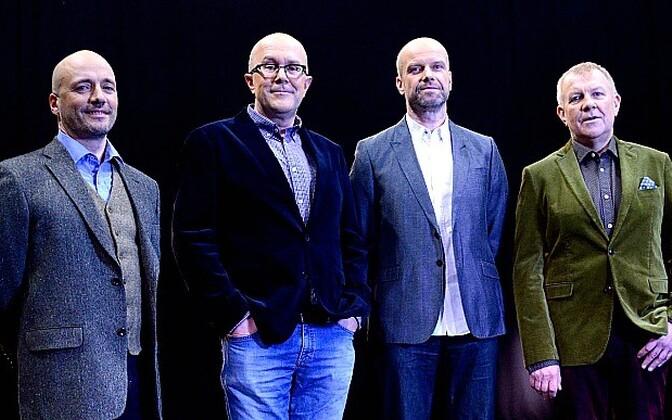 OP-i uued saatejuhid (paremalt) Andrus Vaarik ja Kaido Ole, kirjandusminister Mart Juur ja OPi filmisaate juht Ilmar Raag
