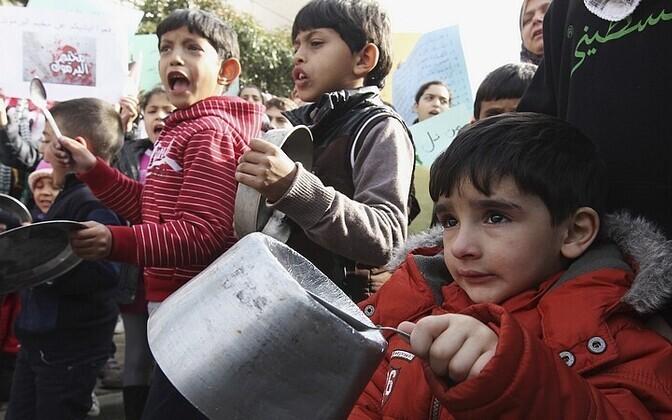 Lapsed pagulaslaagris.