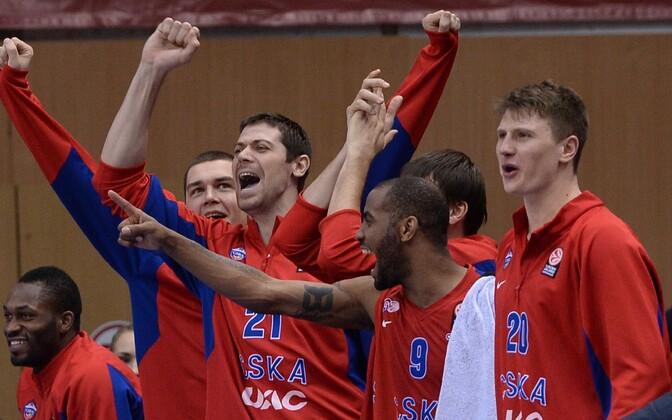 Moskva CSKA mängijad rõõmustavad võidu üle.