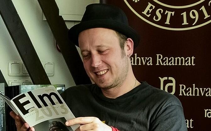 Kaupo Meiel on ajakirjanik ja luuletaja.