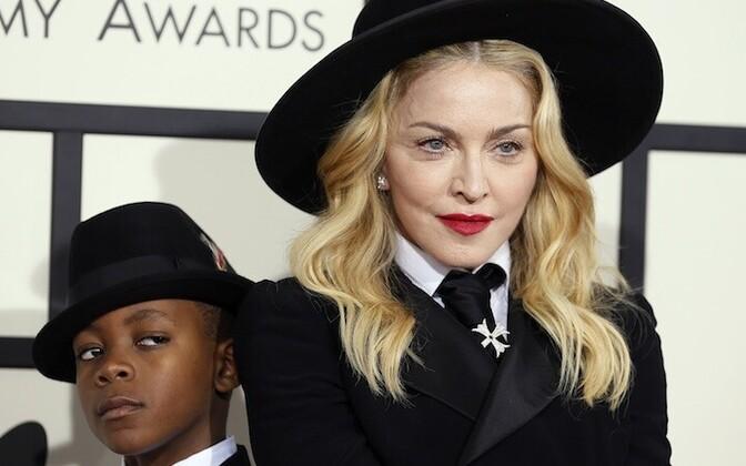 Madonna ja tema laps David.