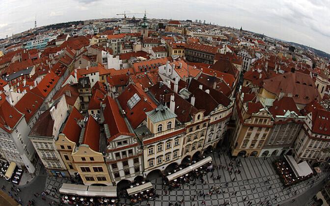 Vaade Praha vana raekoja tornist linna ajaloolisele keskusele
