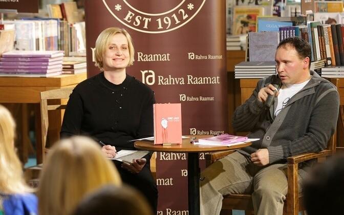 Ilona Martson vestlemas Andrei Ivanoviga tolle