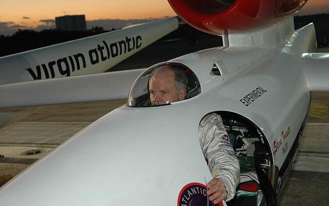 Steve Fossett Virgin Atlantic GlobalFlyer'i kokpitis.