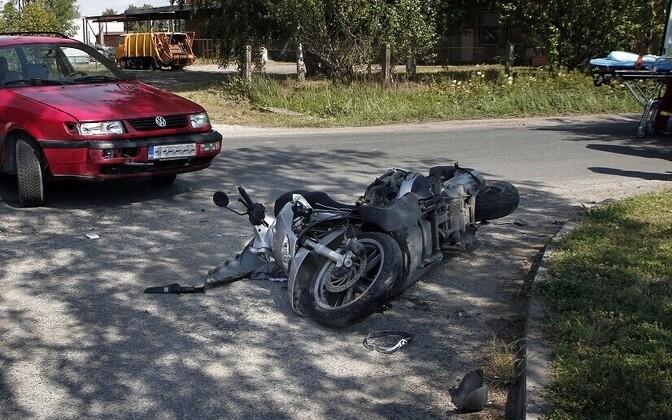 Mopeed pärast liiklusõnnetust. Pilt on illustratiivne.