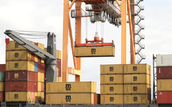 Trade deficit widens by 8.6% in Dec