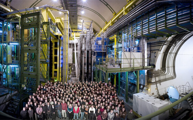 LHCb eksperimendi kollektiiv.