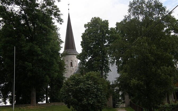 Lüganuse Church.