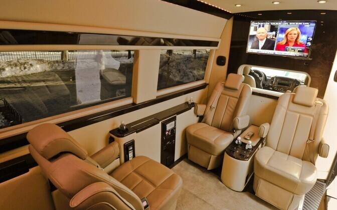 Pilt luksusautost, mida Nelly soovib Eestis sõitmiseks.