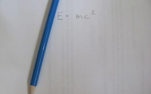 Käsitsi kirjutamine kergendab õppimist