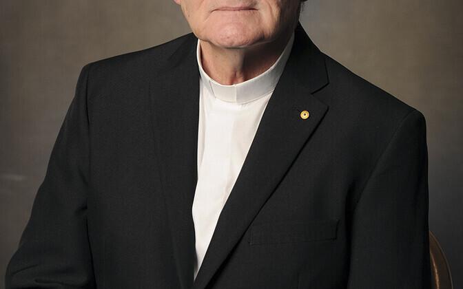 Austraalia piiskop Max Davis.