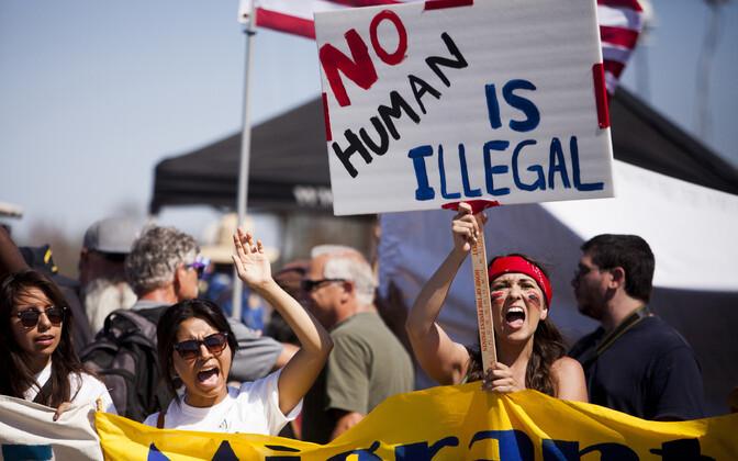 USA praeguse immigratsioonipoliitika vastu protestivad inimõiguslased Californias 4. juulil ehk iseseisvuspäeval.