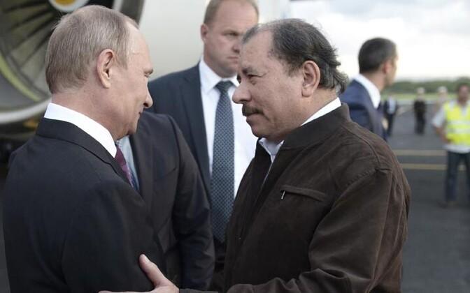 Vladimir Putin (vasakul) ja Daniel Ortega
