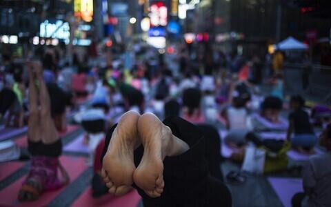 Paljud uue vaimsuse õpetuse järgijad otsivad alternatiivseid tervisepraktikaid.