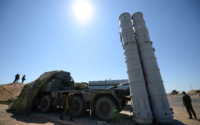 S-300/SA 10 tüüpi maa-õhk tüüpi rakette kasutavad õppused Astrakhani oblastis.