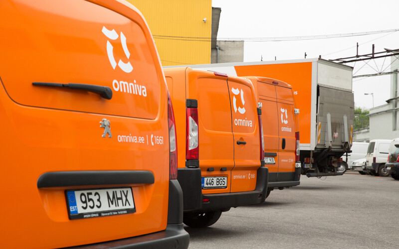 Omniva delivery trucks.