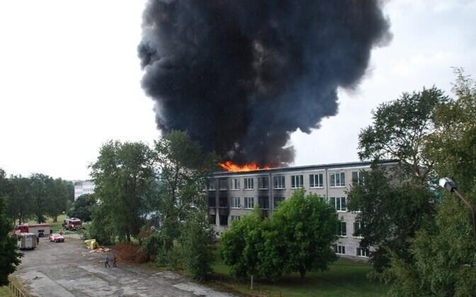 Akadeemia tee 30 hoone põleng 16. augustil