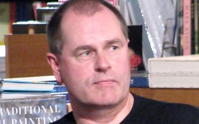 Peep Ehasalu on kirjanik, toimetaja ja kommunikatsioonispetsialist.