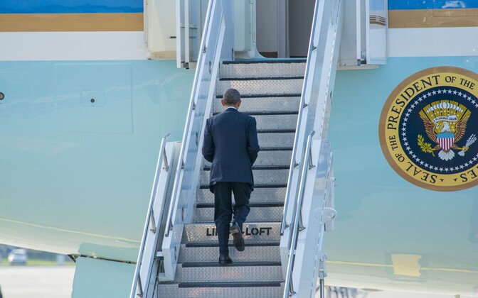 President Obama läheb Air Force One'i pardale