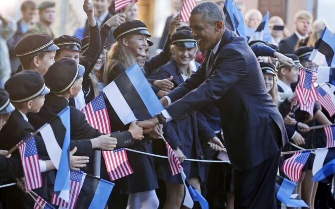 Barack Obama meeting Estonian children in Tallinn on September 3, 2014.