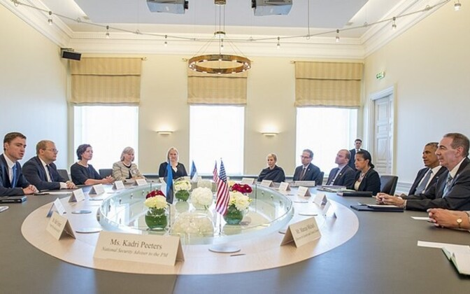 Obama sits down with Rõivas and Paet