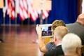 Ajakirjanikud ootamas Ilvese ja Obama pressikonverentsi