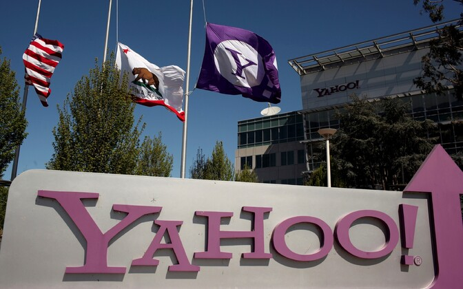 Yahoo logo peakontori ees Californias Sunnyvale'is.