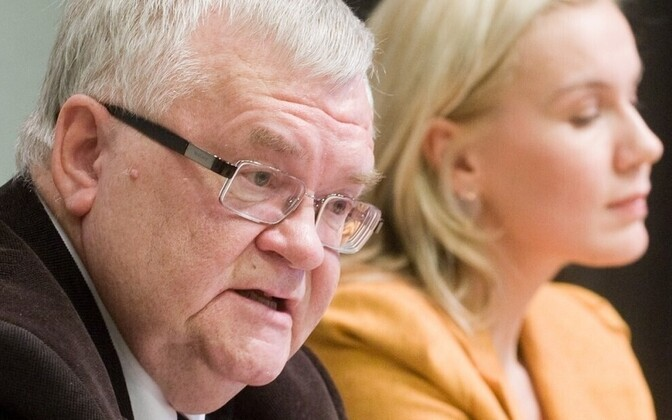 Edgar Savisaar (left) refused to back down as the party's top candidate to make space for Kadri Simson