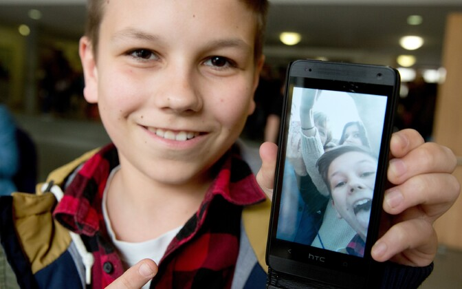 Lapsed kasutavad internetti mobiilsetes vahendites, mis teeb nende tarbitavast sisust ülevaate saamise lapsevanematele keeruliseks.