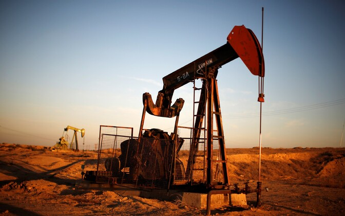 Nafta puurtorn.