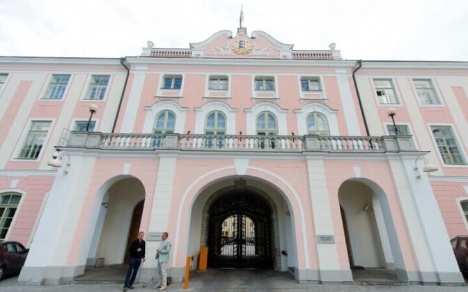 Entrance to Toompea Castle, seat of the Riigikogu.