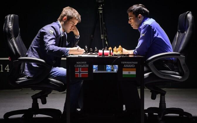 Magnus Carlsen ja Viswanathan Anand.