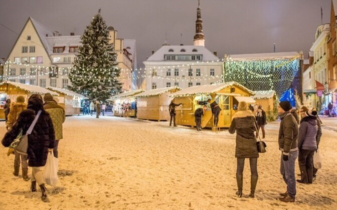The coat of snow across the nation welcomed the opening of the Christmas market in Tallinn, one of the biggest tourist attractions in Estonia during the cold winter nights