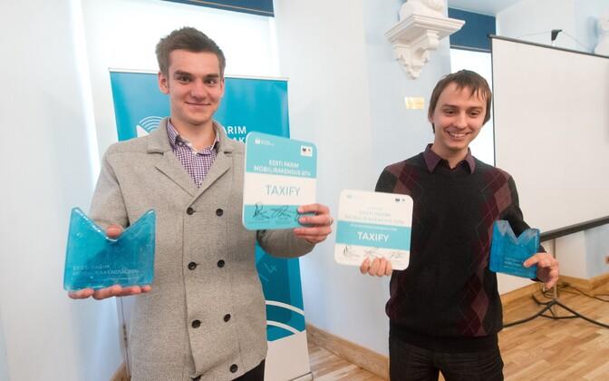 Taxify loojad Markus Villig (hallis) ja Oliver Leisalu.