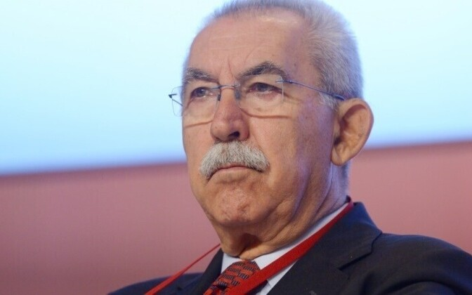 Italian journalist and ex-MEP Giulietto Chiesa returned to Estonia on Friday, after being sent out a month earlier for violating an entry ban put on him by the Ministry of the Interior. The ministry decided not to renew the ban and Chiesa finally got to a