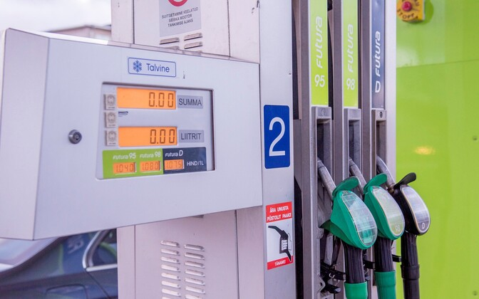 Sales at the pump affected retail turnover in Estonia in January.
