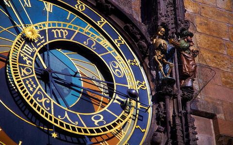 Astroloogia koosneb inimese fantaasiat ja loomingulisi oskusi kujutavast sõnadega triblamisest, mille tegelik sisu on lüüa väravaid psühholoogia mängus.