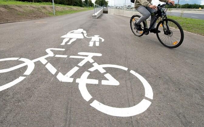 be2cc69c3c7 Valimiste keskkonnalubaduste keskmes on bussisõit ja veloteed (0)