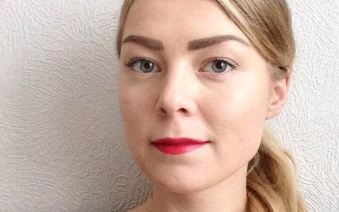 Annika Murov on lõpetanud Tartu Ülikooli politoloogia magistriõpingud ning tegelenud immigratsiooni temaatika ja integratsioonimudelitega. Hetkel töötab ta Harku kinnipidamiskeskuses varjupaigataotlejate ja väljasaadetavate nõustajana.