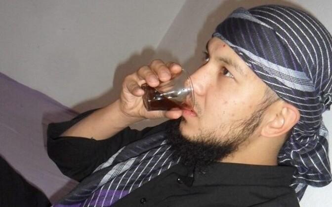 Абдуррахман Сазанаков выехал из Эстонии в 2013 году, чтобы сражаться на стороне ИГИЛ.