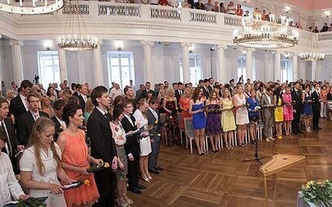 Lõpuaktus Tartu ülikoolis 2012. aastal.