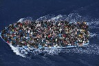 Беженцы направляются из Ливии в ЕС.
