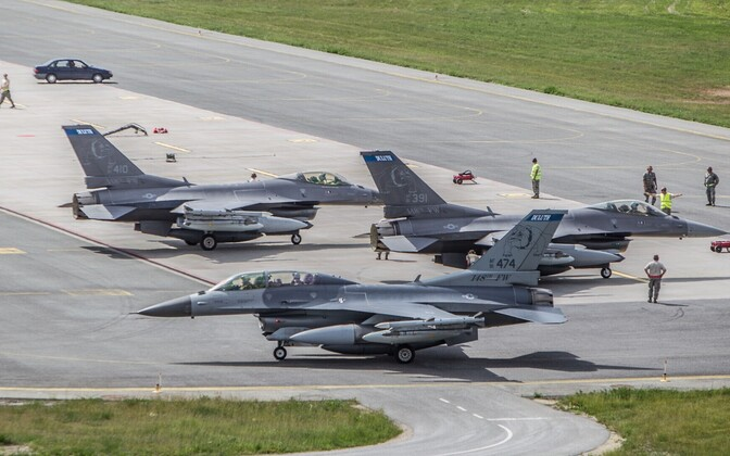 NATO announced that the alliance's air policing mission over the Baltics will be cut from 16 to 8 fighter jets, although the cuts will not affect Ämari air base in Estonia where 4 aircraft will remain.