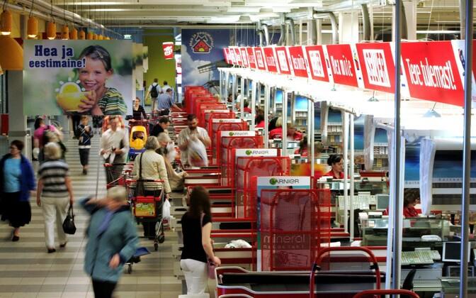 Toidu- ja esmatarbekaupade kauplus.