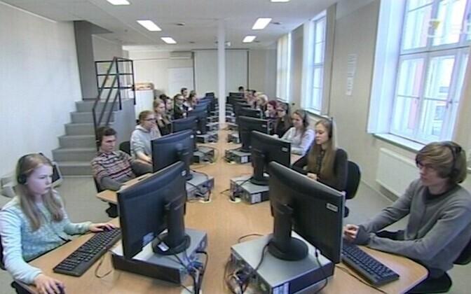 E-etteütluse tegemine Tallinna 21. koolis.