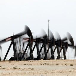 Страны ОПЕК будут сдерживать добычу нефти.