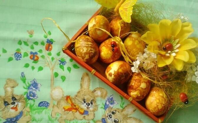 Kauplused on tänavu hulgaliselt valgeid mune pühadeks varunud.